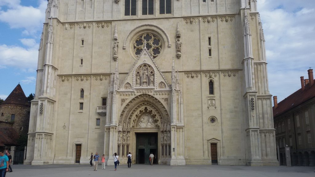 fachada de la catedral de Zagreb