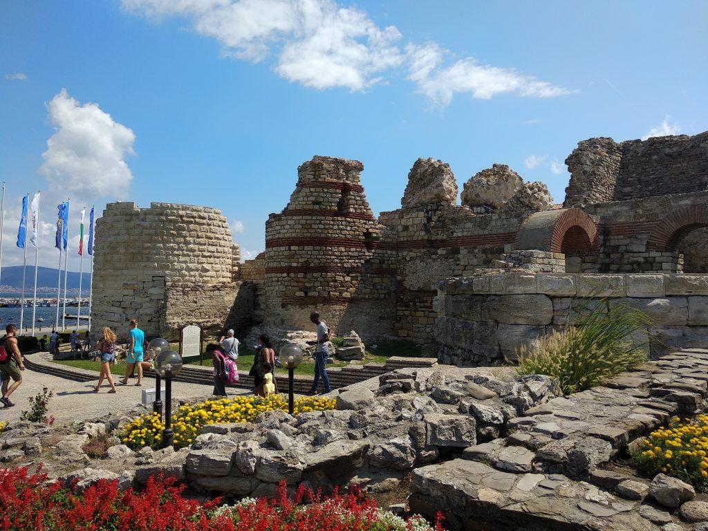 Antiguas murallas de la ciudad de Nesebar